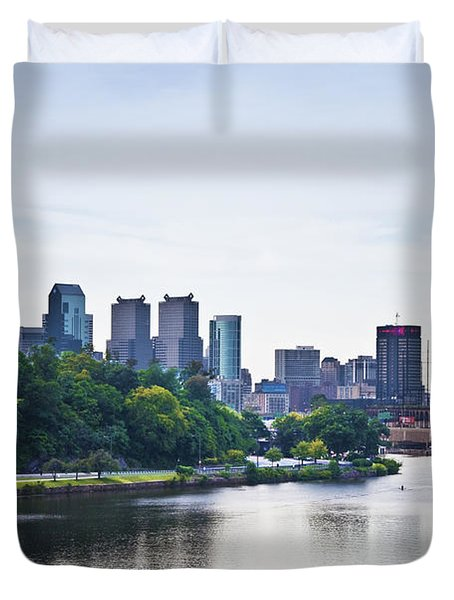 Philadelphia View From The Girard Avenue Bridge Duvet Cover by Bill Cannon
