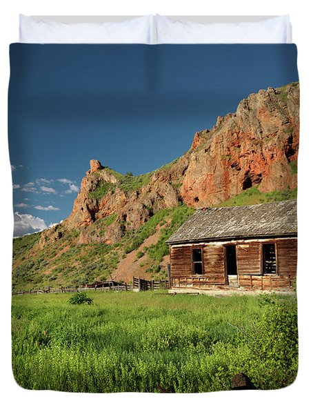 Red Rock Cabin Duvet Cover by Leland D Howard