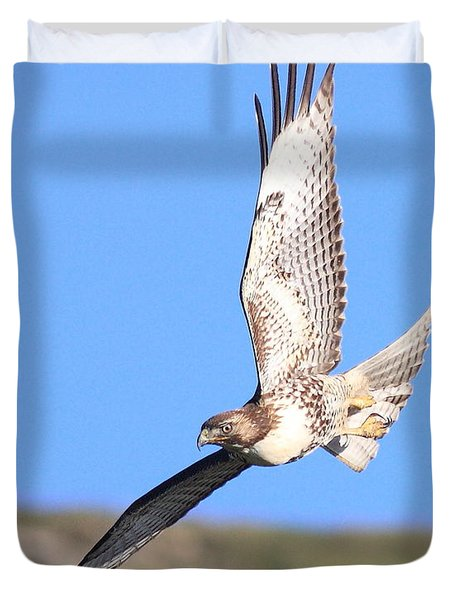 Red-tailed Hawk . 40d10968 Duvet Cover by Wingsdomain Art and Photography