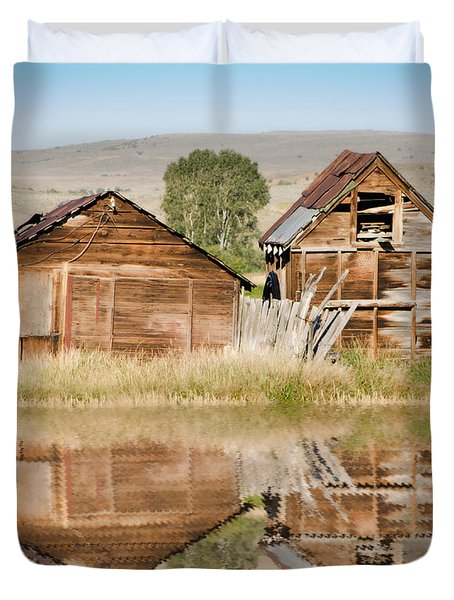 Reflection of an Old Building Duvet Cover by Donna Van Vlack