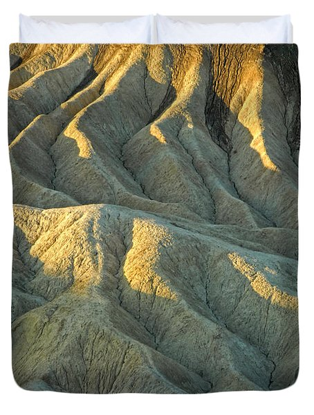 Rock Formations At Death Valley Duvet Cover by Dave Mills