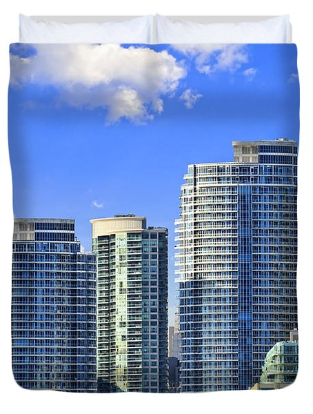 Sailing In Toronto Harbor Duvet Cover by Elena Elisseeva