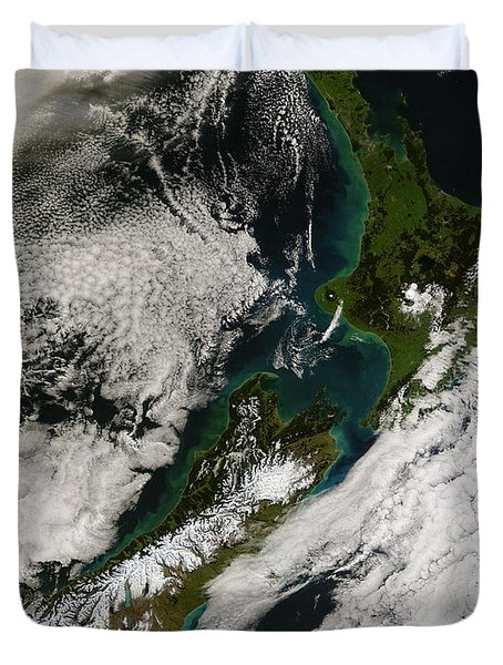 Satellite View Of New Zealand Duvet Cover by Stocktrek Images