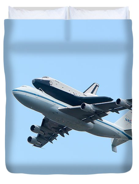 Space Shuttle Enterprise Arrives in New York City Duvet Cover by Clarence Holmes