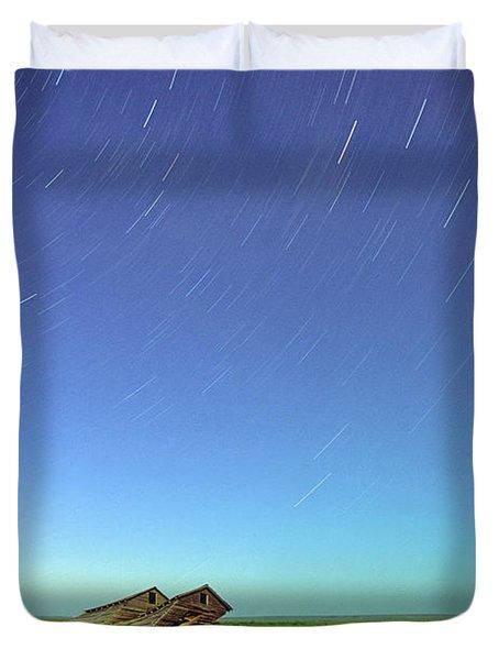 Star Trails Over Old Barns, Saskatchewan Duvet Cover by Robert Postma