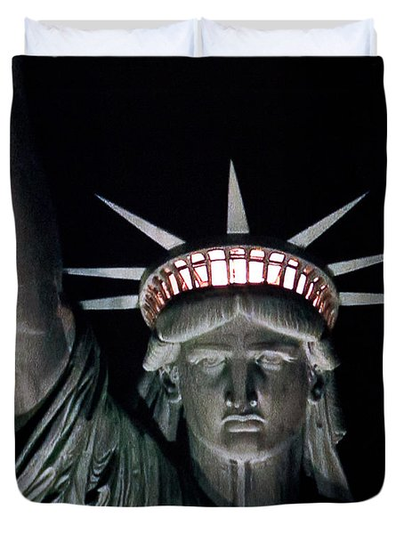 Statue Of Liberty Duvet Cover by David Pringle