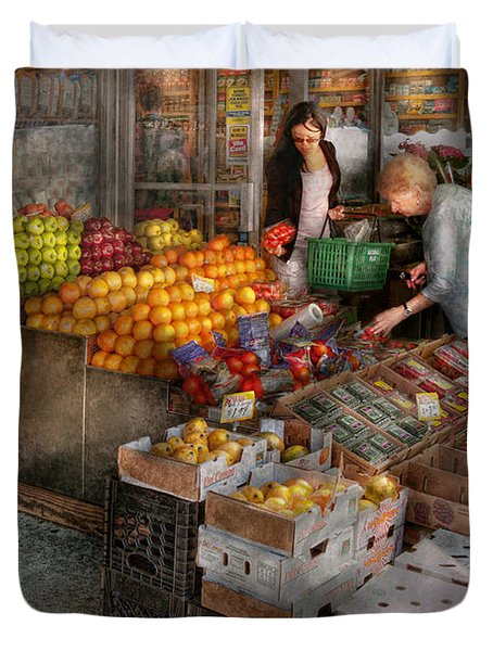 Storefront - Hoboken Nj - Picking Out Fresh Fruit Duvet Cover by Mike Savad