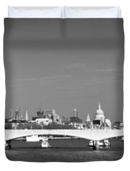 Thames Panorama Weather Front Clearing Bw Duvet Cover by Gary Eason