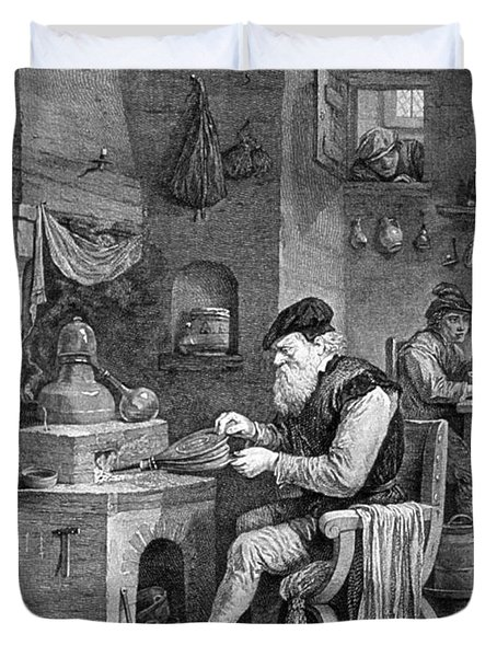The Chemist, 17th Century Duvet Cover by Science Source