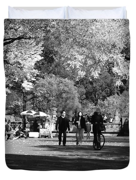 THE MALL at CENTRAL PARK in BLACK AND WHITE Duvet Cover by ROB HANS