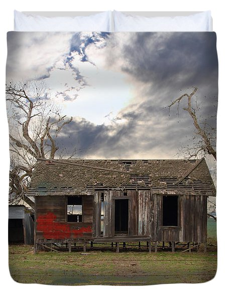 The Old Farm House In My Dreams Duvet Cover by Wingsdomain Art and Photography