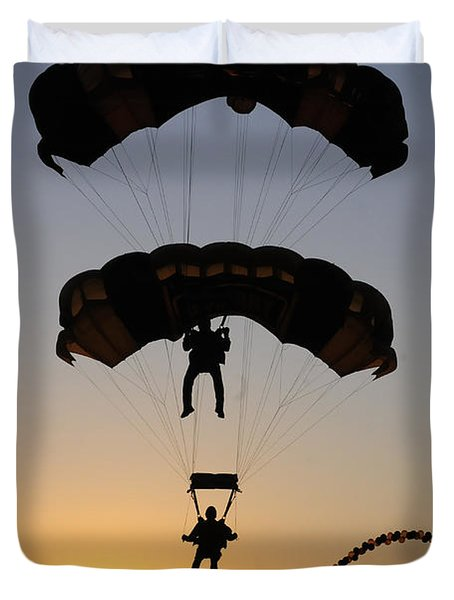 The U.s. Army Golden Knights Perform An Duvet Cover by Stocktrek Images