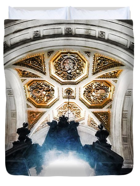 The West Doorway Of St Paul's Cathedral Duvet Cover by Steve Taylor