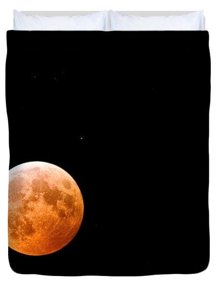 Total Lunar Eclipse Duvet Cover by Matt Suess