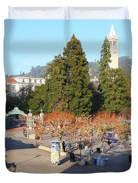 UC Berkeley . Sproul Hall . Sproul Plaza . Sather Gate and Sather Tower Campanile . 7D10016 Duvet Cover by Wingsdomain Art and Photography