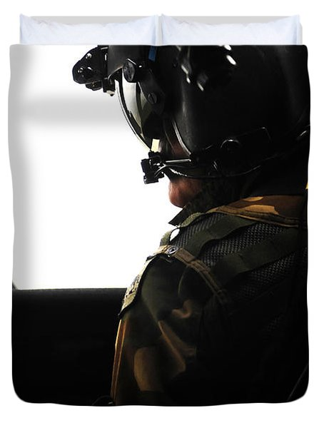 U.s. Army Officer Speaks To A Pilot Duvet Cover by Stocktrek Images