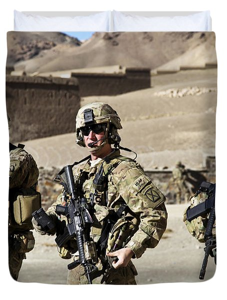 U.s. Army Soldiers Coordinate Security Duvet Cover by Stocktrek Images