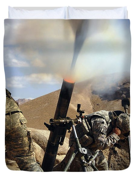 U.s. Army Soldiers Firing A 120mm Duvet Cover by Stocktrek Images