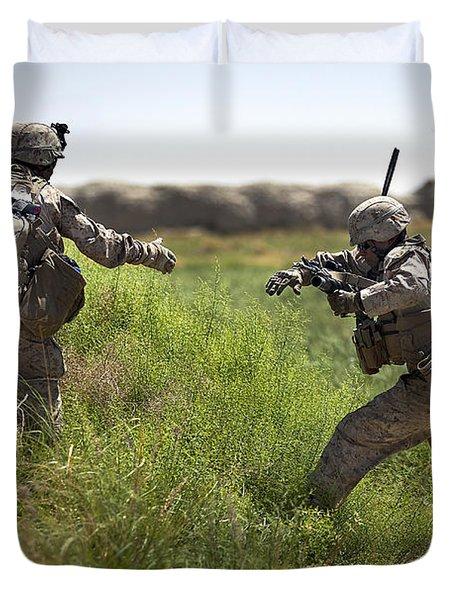U.s. Navy Petty Officer Extends Duvet Cover by Stocktrek Images
