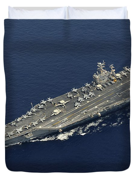 Uss Abraham Lincoln Transits The Indian Duvet Cover by Stocktrek Images