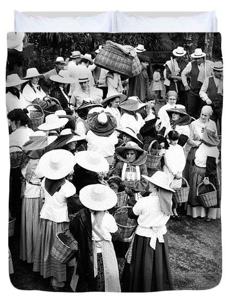 Vintage Workers Duvet Cover by Gaspar Avila