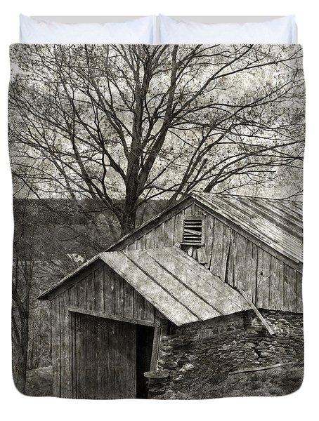 Weathered Hillside Barn Duvet Cover by John Stephens