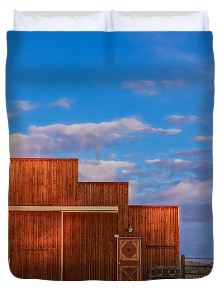 Western Barn Duvet Cover by Mike Hendren