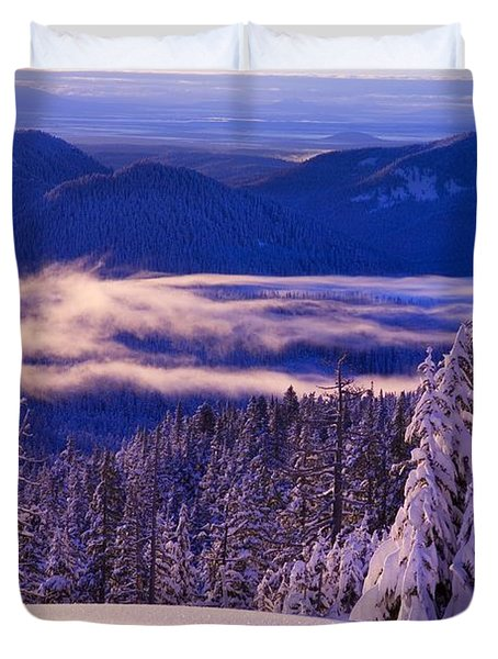Winter Snow, Cascade Range, Oregon, Usa Duvet Cover by Craig Tuttle