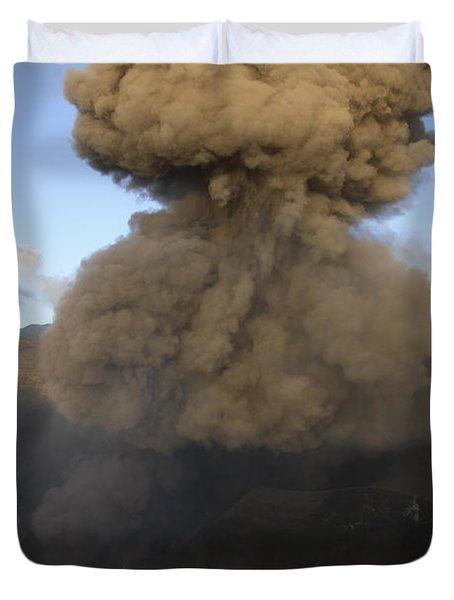 Yasur Eruption, Tanna Island, Vanuatu Duvet Cover by Martin Rietze