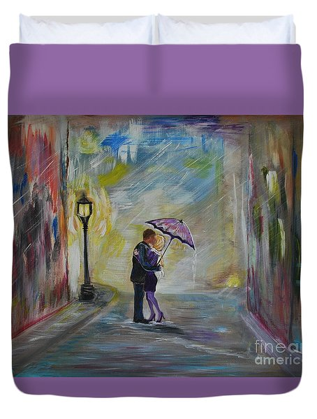 Kiss Me Taxi is Here Duvet Cover by Leslie Allen