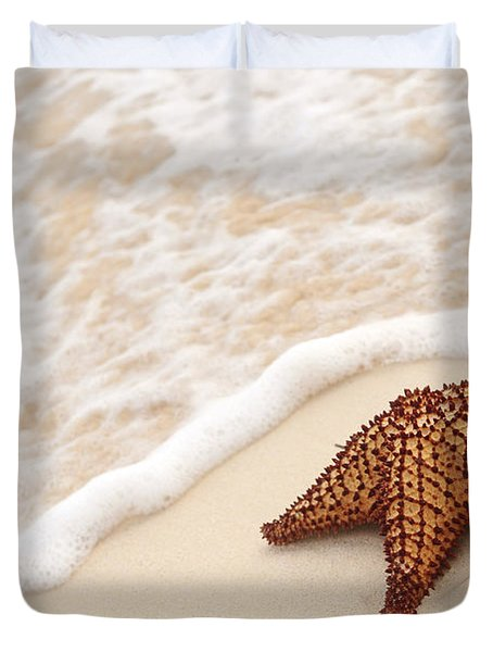 Starfish and ocean wave Duvet Cover by Elena Elisseeva