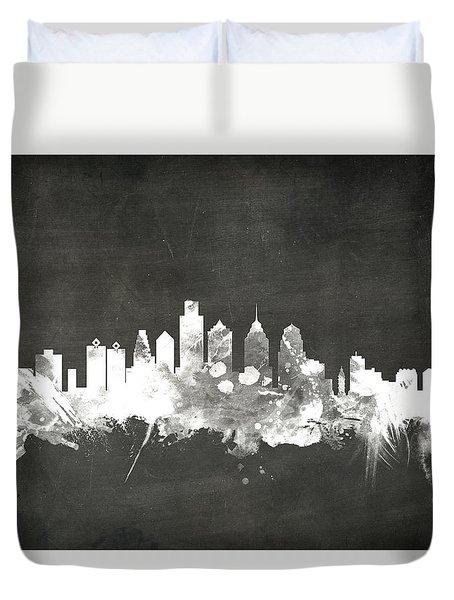 Philadelphia Pennsylvania Skyline Duvet Cover by Michael Tompsett