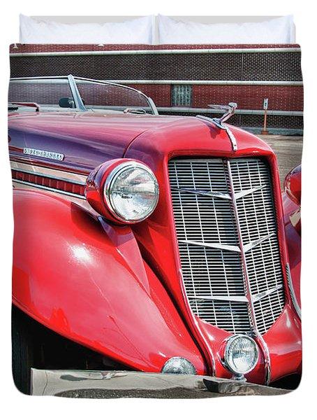 1935 Auburn Speedster 6870 Duvet Cover by Guy Whiteley