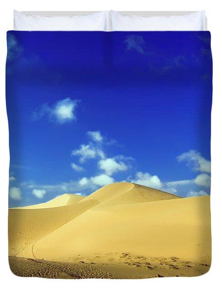 Sandy desert Duvet Cover by MotHaiBaPhoto Prints