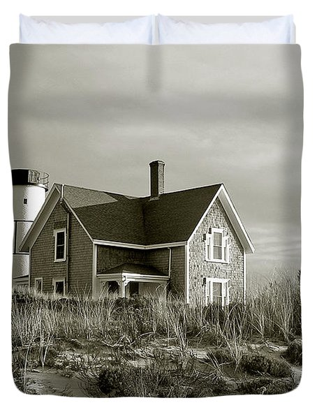 Sandy Neck Lighthouse Duvet Cover by Charles Harden