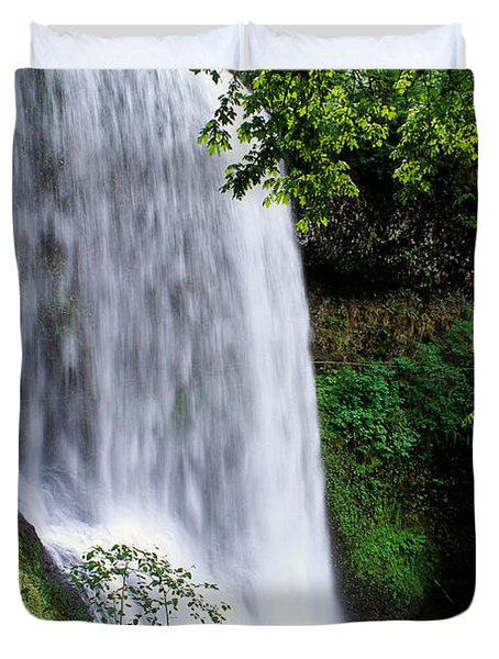 View Of Oregon Duvet Cover by Greg Vaughn - Printscapes