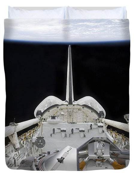 A Partial View Of Space Shuttle Duvet Cover by Stocktrek Images