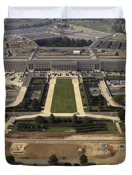 Aerial Photograph Of The Pentagon Duvet Cover by Stocktrek Images