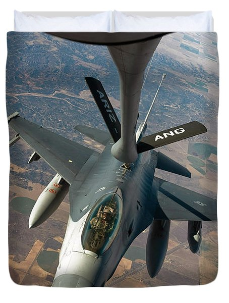 An F-16 Fighting Falcon Receiving Fuel Duvet Cover by Stocktrek Images