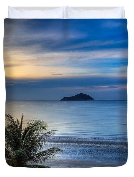 Ao Manao Bay Duvet Cover by Adrian Evans
