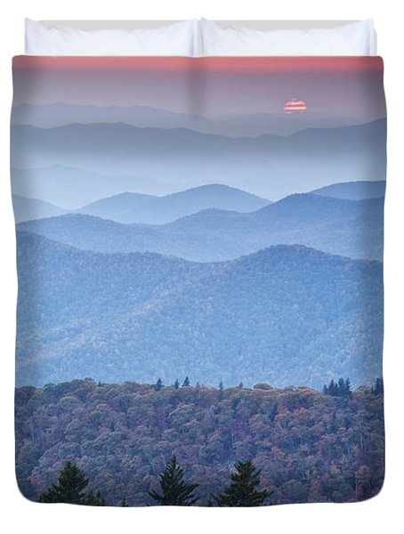 Autumn Sunset On The Parkway Duvet Cover by Rob Travis