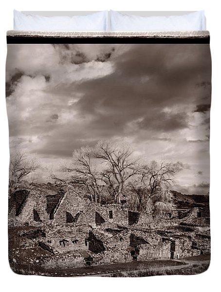 Aztec Ruins National Monument Duvet Cover by Steve Gadomski