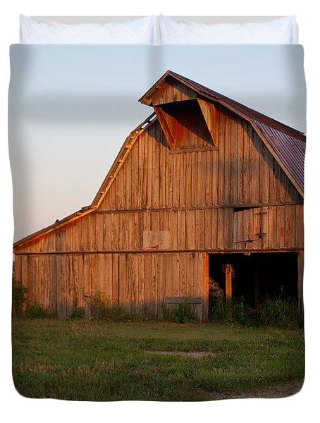 Barn at Early Dawn Duvet Cover by Douglas Barnett