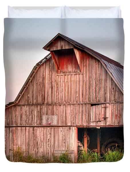 Barn Near Walnut Ridge Arkansas Duvet Cover by Douglas Barnett