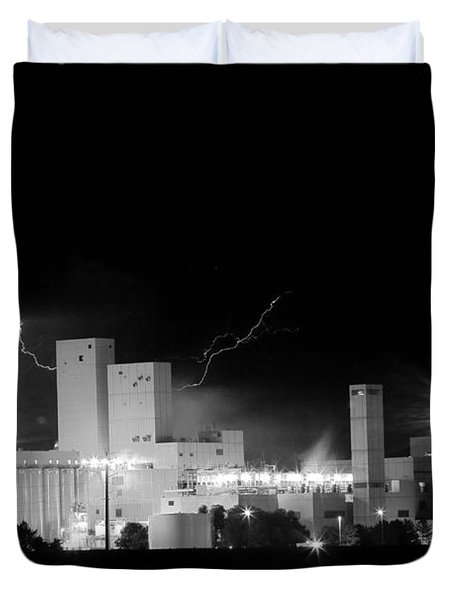 Budwesier Brewery Lightning Thunderstorm Image 3918  BW Duvet Cover by James BO  Insogna