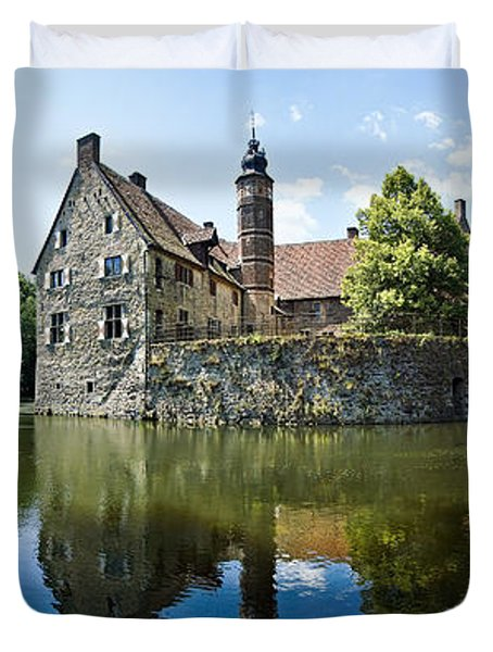 Burg Vischering Duvet Cover by Dave Bowman