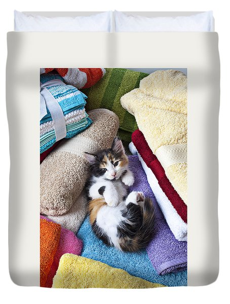 Calico kitten on towels Duvet Cover by Garry Gay