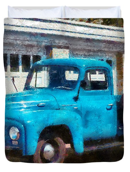 Car - Truck - An International Old Truck Duvet Cover by Mike Savad