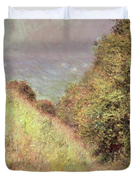 Chemin De La Cavee Pourville Duvet Cover by Claude Monet