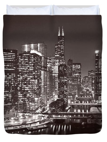 Chicago River Panorama B W Duvet Cover by Steve Gadomski